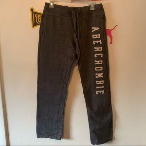 Men's grey Abercrombie sweatpants